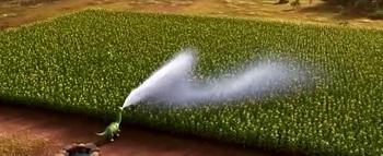 水をやる子供.jpg